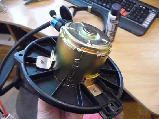 вентилятор печки на ВАЗ 2110 в разобранном виде