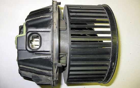 Мотор печки Рено Логан