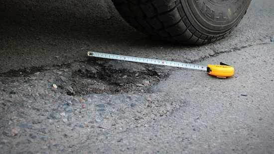 как правильно сделать фото ямы на дороге при ДТП